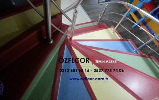 renkli merdiven döşemesi